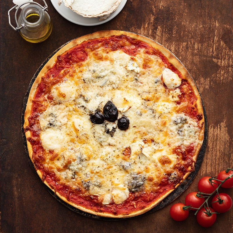 Pizza-italienne-faite-maison-3-fromages-La-Tour-de-Pise