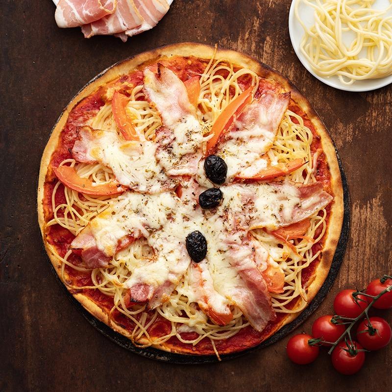 Pizza-italienne-faite-maison-Aurore-La-Tour-de-Pise