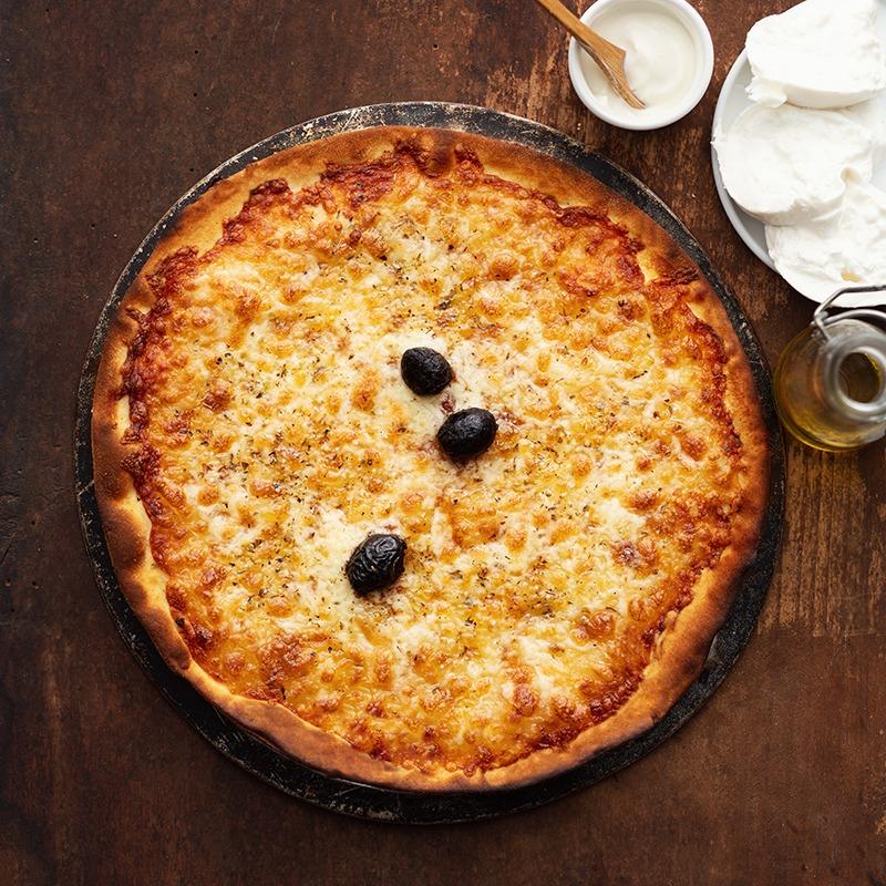 Pizza-italienne-faite-maison-Blanche-La-Tour-de-Pise
