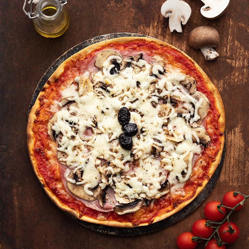 Pizza-italienne-faite-maison-Reine-La-Tour-de-Pise